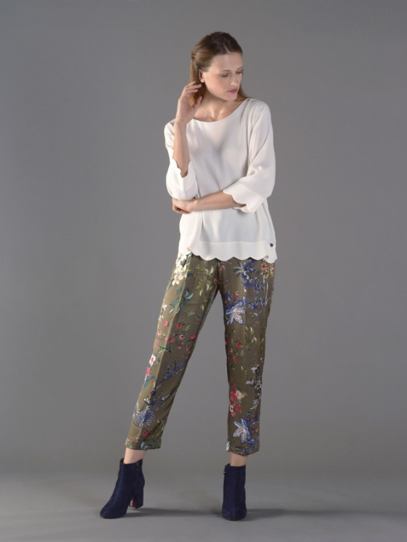 Flowing trousers