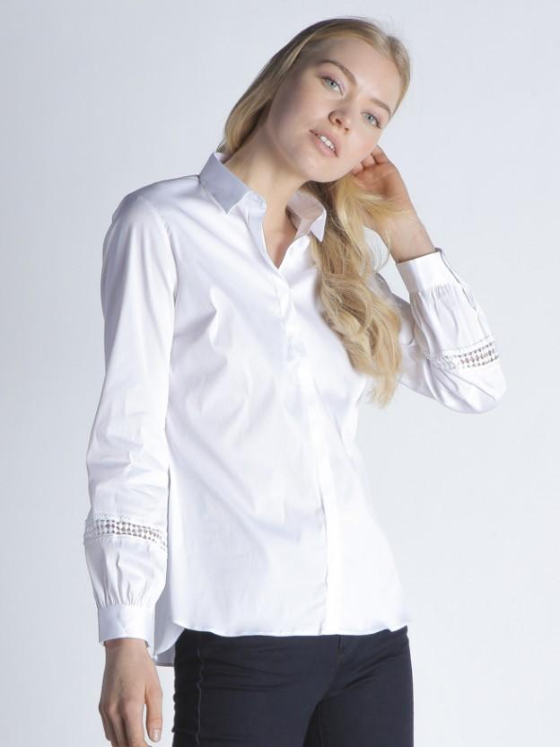 Camisa detalles mangas