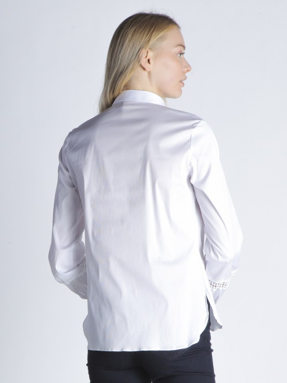 Camisa detalhes mangas