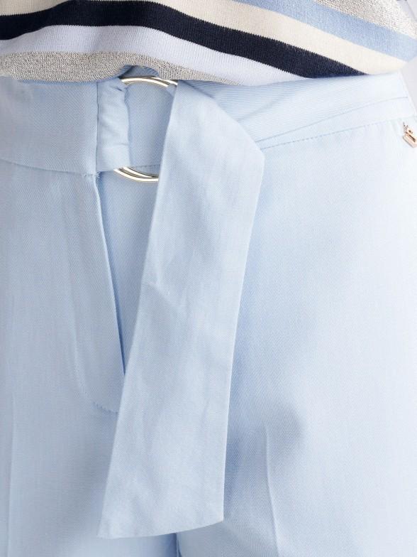 Pantalón con cinturón