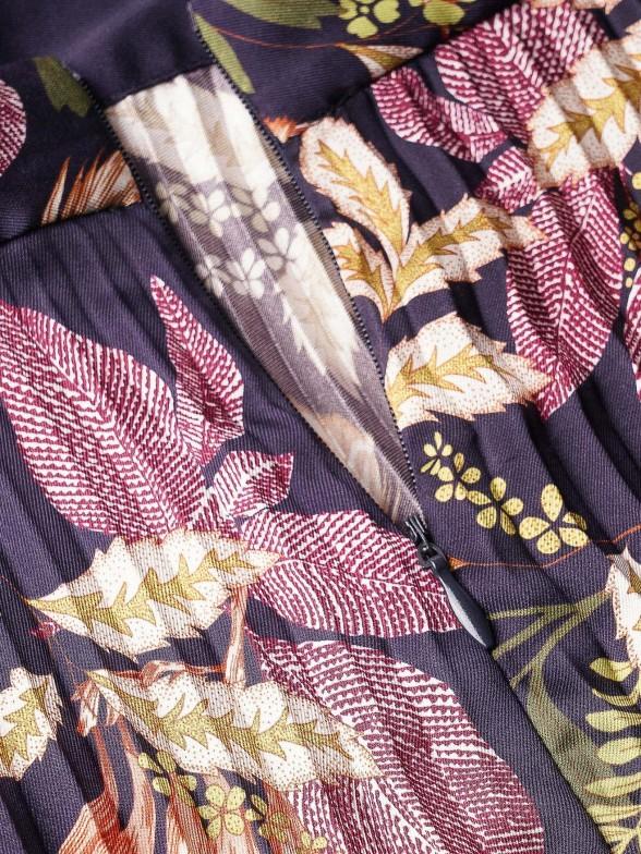 Saia plissada com estampado floral