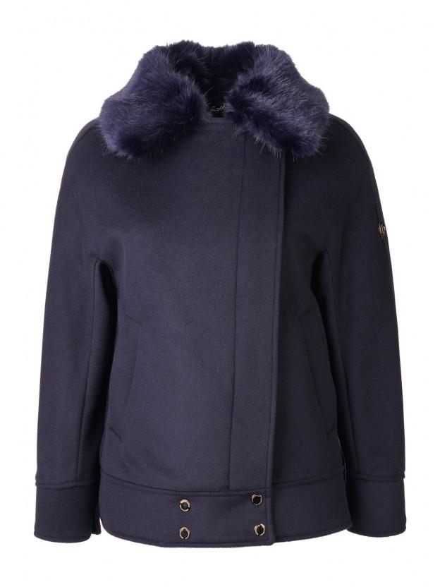 Short coat with fur