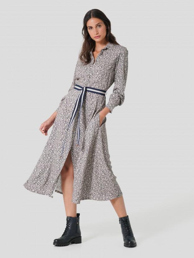 Vestido camiseiro comprido
