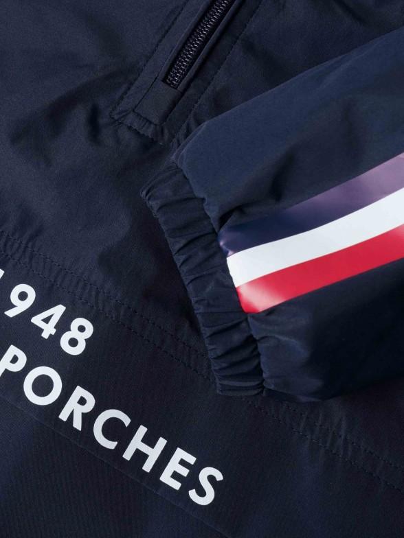 Blusão com detalhe de risca tricolor