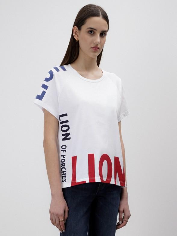 T-shirt branca com lettering estampado