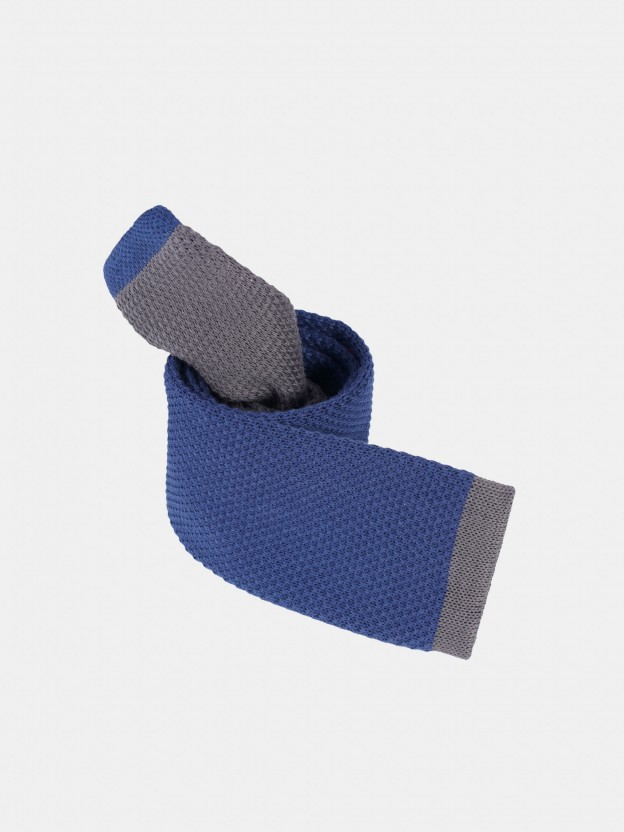 Corbata bicolor estructurada