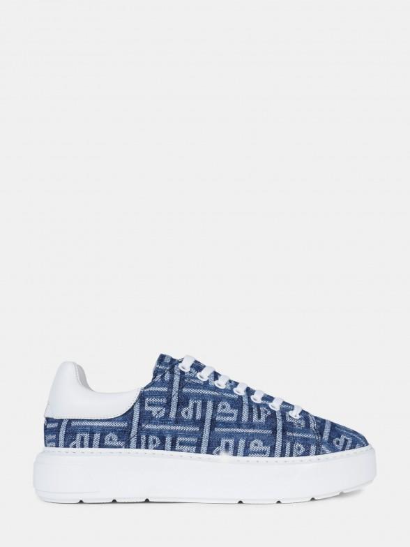 Sapatilhas azuis com monograma LP