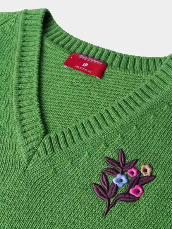 Camisola verde com bordado motivos florais