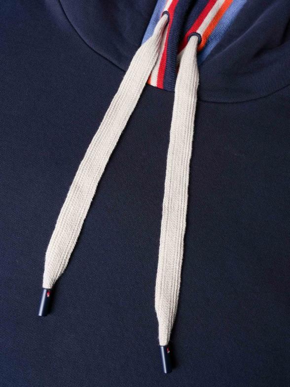 Sweatshirt azul com detalhe de riscas no capuz