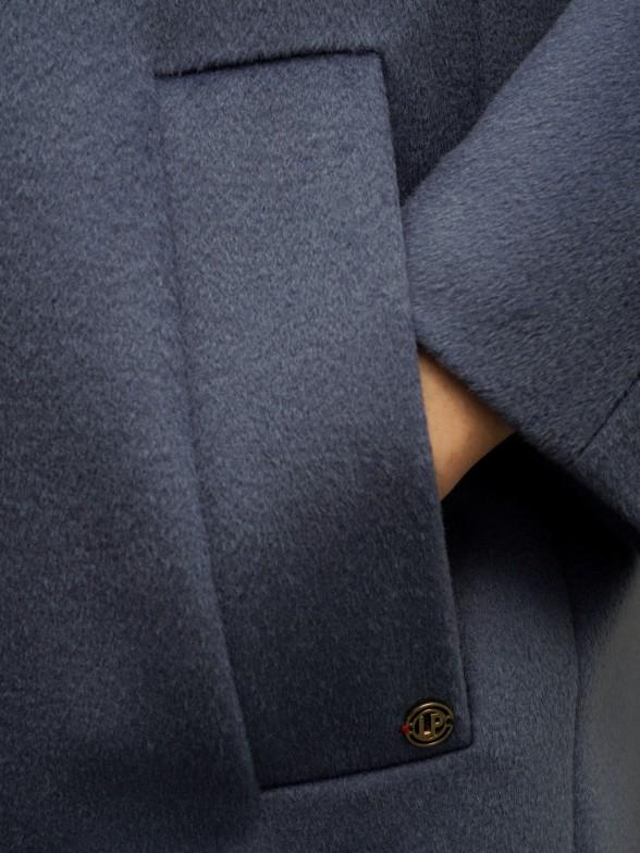 Casaco em lã de trespasse duplo