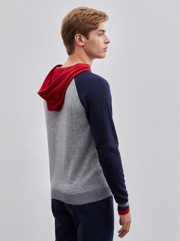 Camisola manga comprida com capuz